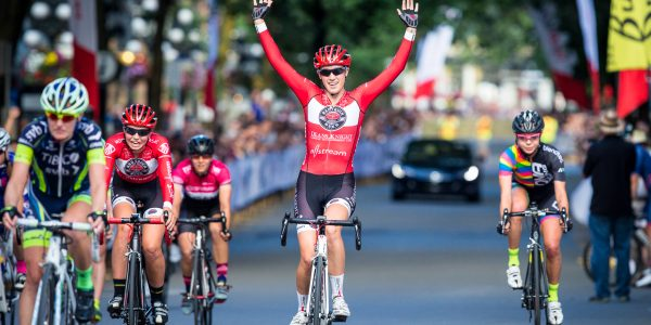 2015 BC Superweek, Gastown Grand Prix, Finish, Women's Race, DeniseRAMSDEN(CAN-TRT)